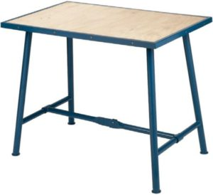 sklopivi radni stol mode Matador,konstrukcija za teške uvjete primjene. Čvrsta drvena radna površina posebno obrađena, otporna na vodu i prašinu. Noge su cjevaste konstrukcije dizajnirane za podnošenje velikih opterećenja.